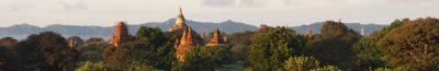 Pagody w Birmie o wschodzie słońca