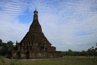 Świątynia gdzieś na uboczu