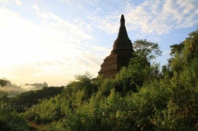 Zapomniana świątynia w Mrauk U