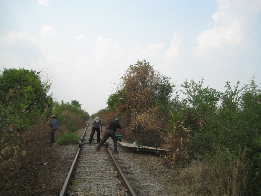 Bambusowy pociąg demontuje się w ciągu kilkudziesięciu sekund, ponowny montaż zajmuje niewiele dłużej.