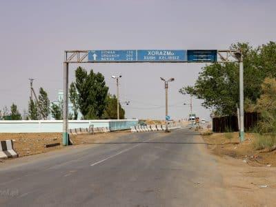 Odległości w Uzbekistanie są ogromne, podróż zajmuje wiele, wiele godzin