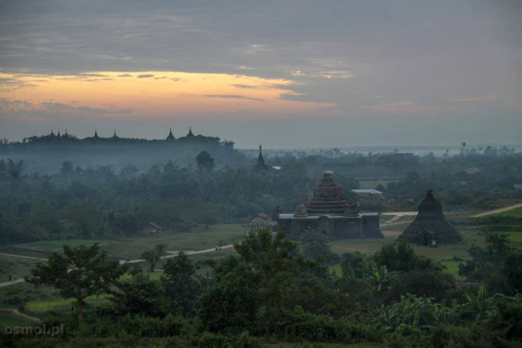 Wieczór w Mrauk U Birma