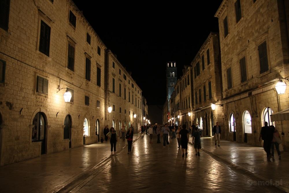 Stradun - główna ulica Dubrownika nocą