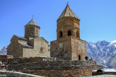 Świątynia Cminda Sameba góruje nad Kazbegi