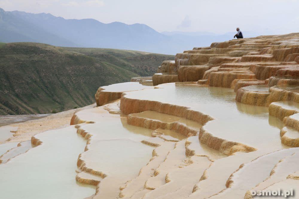 Badab-e Surt - wapienne tarasy w Iranie