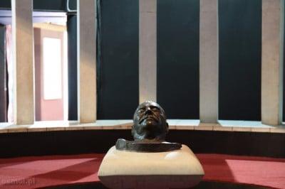 Maska pośmiertna Stalina w muzeum