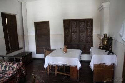 Wnętrze domu w którym Stalin spędził swoje najwcześniejsze lata