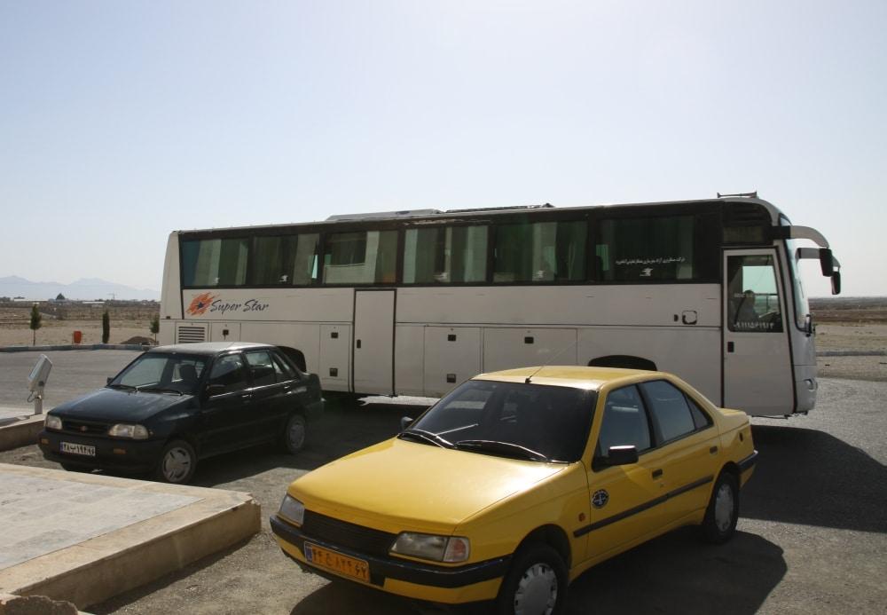 Iran Damghan. Małomiasteczkowy dworzec autobusowy