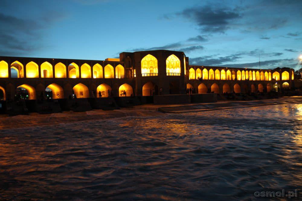 Iran - Esfahan. Most Khaju