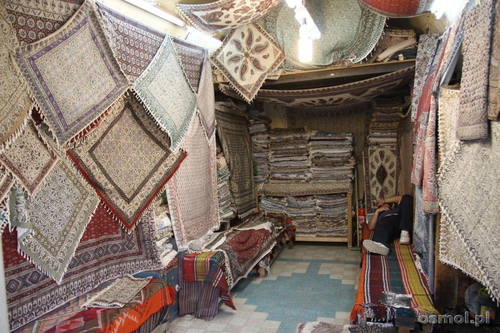 Na bazarze w Esfahan możemy wybierać pomiędzy niezliczoną liczbą sklepów