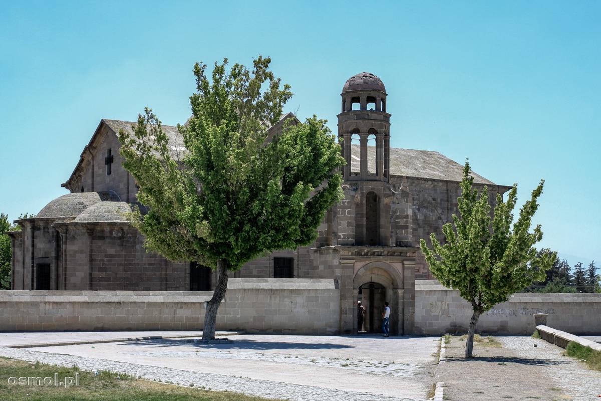 Kościół w Derinkuyu tuż obok wyjścia z podziemnego miasta