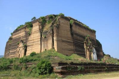 Zniszczona przez trzęsienie ziemi w 1838 roku Mingun pagoda wciąż robi wrażenie