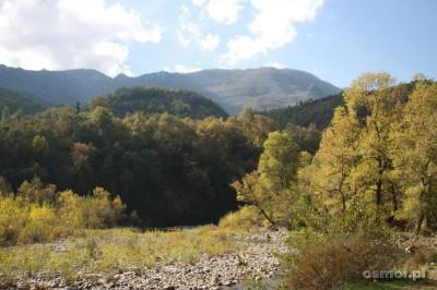 Albania to przede wszystkim górskie krajobrazy. Szczególnie pięknie wyglądają jesienią