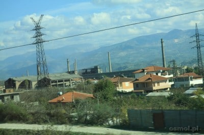Jadąc przez Albanię zobaczymy wiele zrujnowanych i opuszczonych fabryk