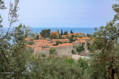 Widok na wyspę-hotel Święty Stefan