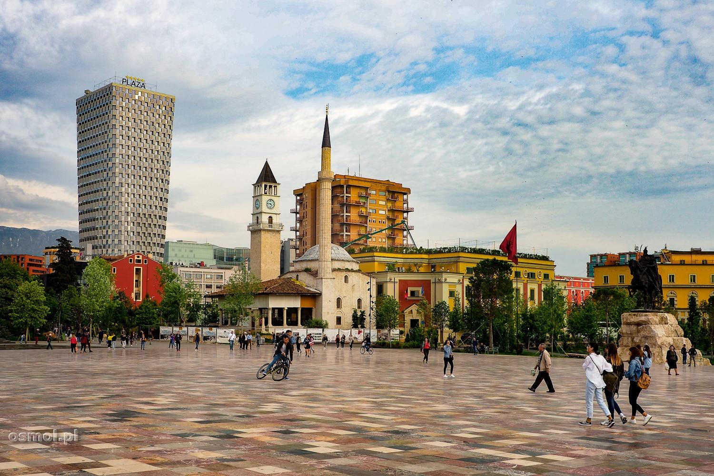 Plac Skanderbega w Tiranie