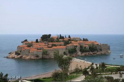Panorama wyspy Sveti Stefan w Czarnogórze