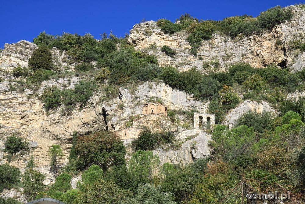 Ukryta na wzgórzu cerkiew św. Michała Archanioła