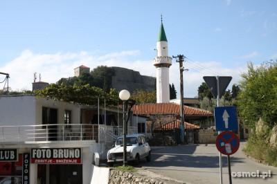 Błękitne niebo, biel minaretu... Ulcinj to przedmurze Albanii