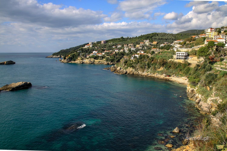 Wybrzeże w Ulcinju w Czarnogórze