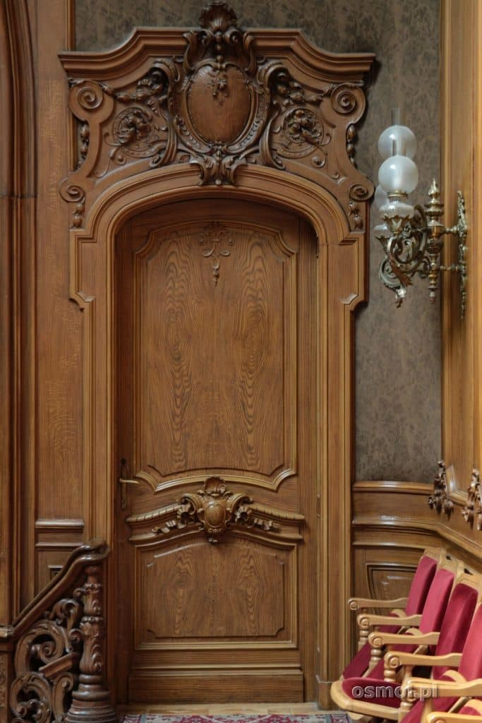 Rzeźbione drzwi Kasyna Szlacheckiego