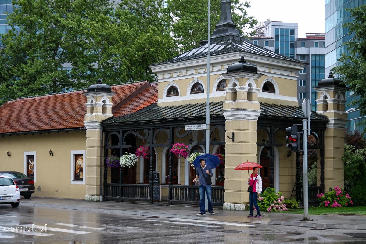 Jeden z nielicznych starszych i ładnych budynków w Banja Luce