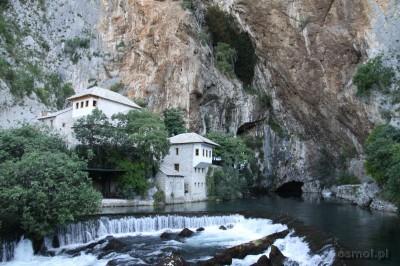 Widok na klasztor derwiszów w Blagaj