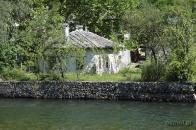 Zabudowa nad Buną w Blagaj. Bośnia i Hercegowina