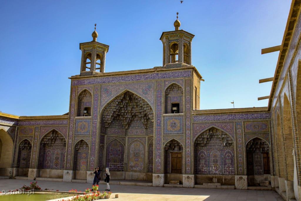 Shiraz Różowy Meczet - świątynia widziana z zewnąrz