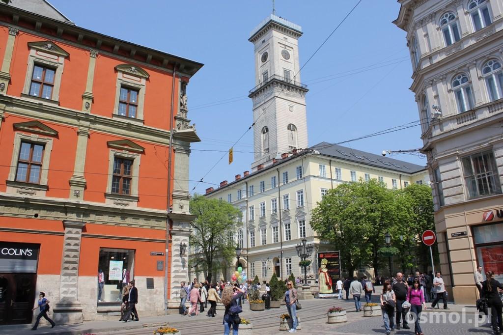 Widok na Ratusz w Lwowie