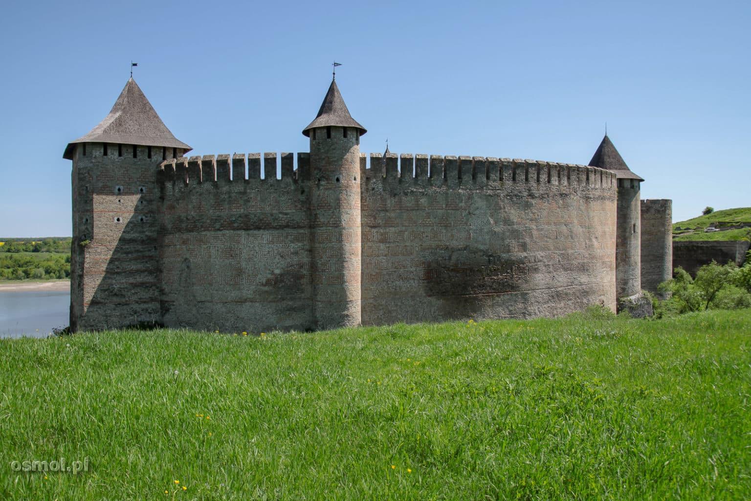 Mury zamku w Chocimiu