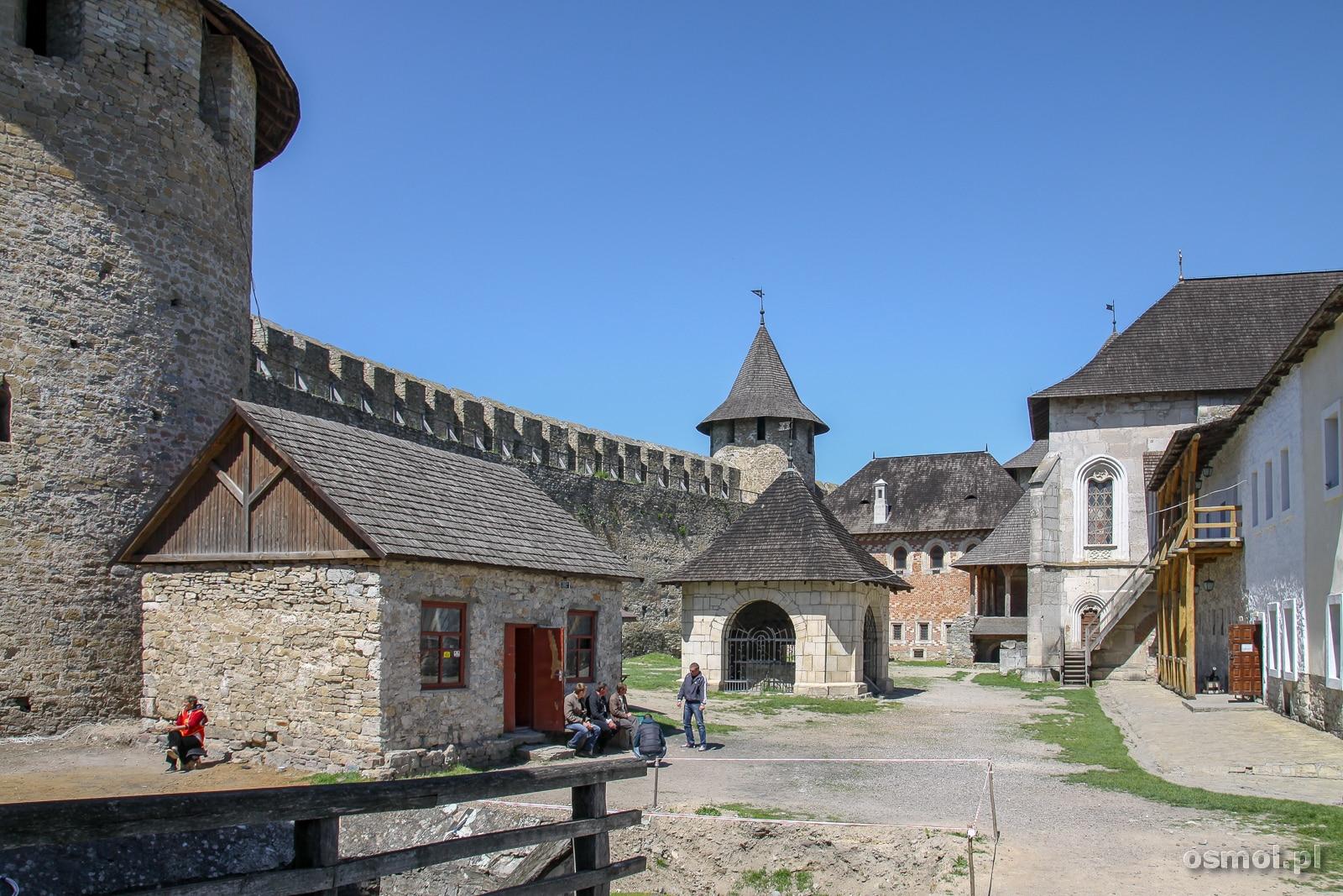 Dziedziniec zamku w Chocimiu
