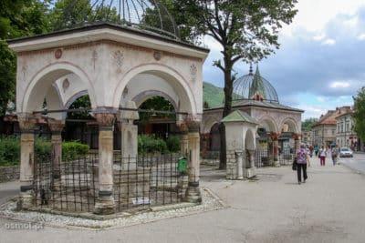 Stare grobowce w Travniku