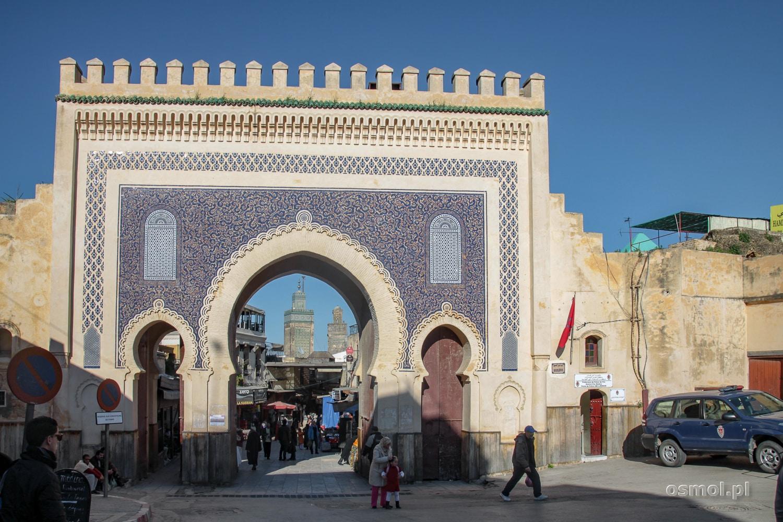 2a726525f39e5 Widok przez Błękitną bramę w Fezie - Maroko