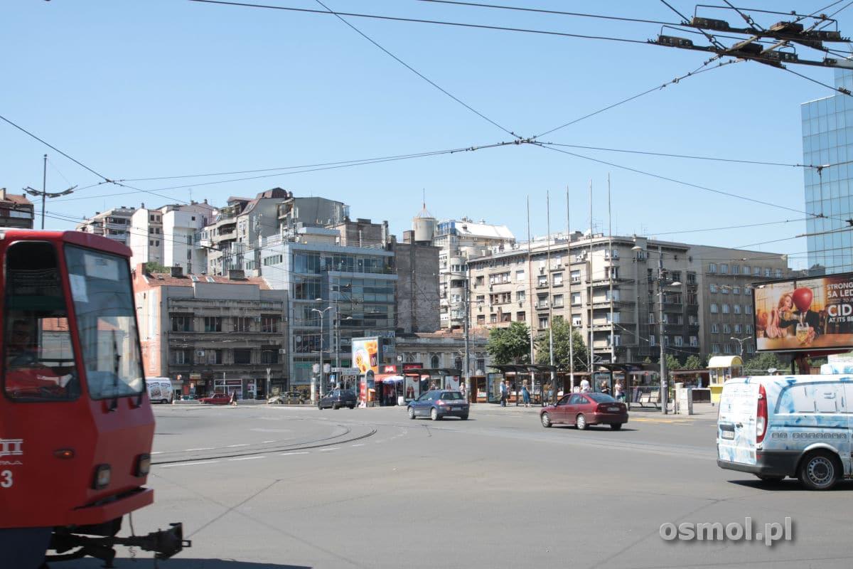 Jedna z ulic w Belgradzie. Tak wygląda prawie całe miasto, chociaż Nowy Belgrad wygląda jeszcze gorzej.