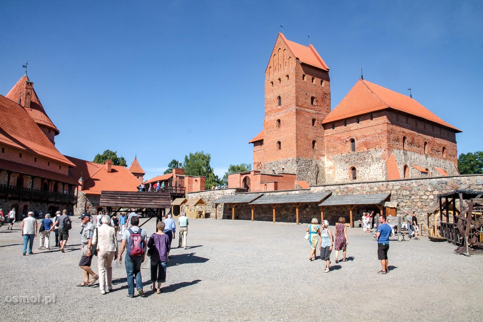 Widok na donżon zamku w Trokach na Litwie