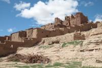 Maroko tradycyjna zabudowa ufortyfikwoanej wioski