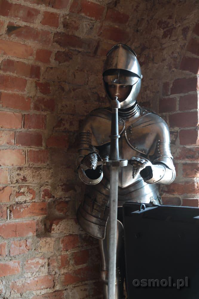 Zbroja średniowiecznego rycerza