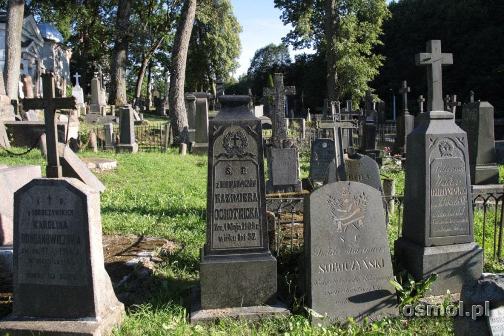 Groby na cmentarzu na Rossie w Wilnie