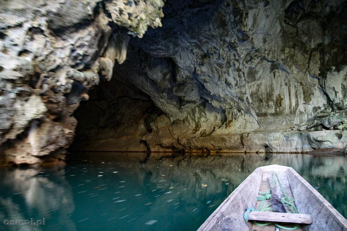 Wejście do jaskini Kong Lor w drodze powrotnej