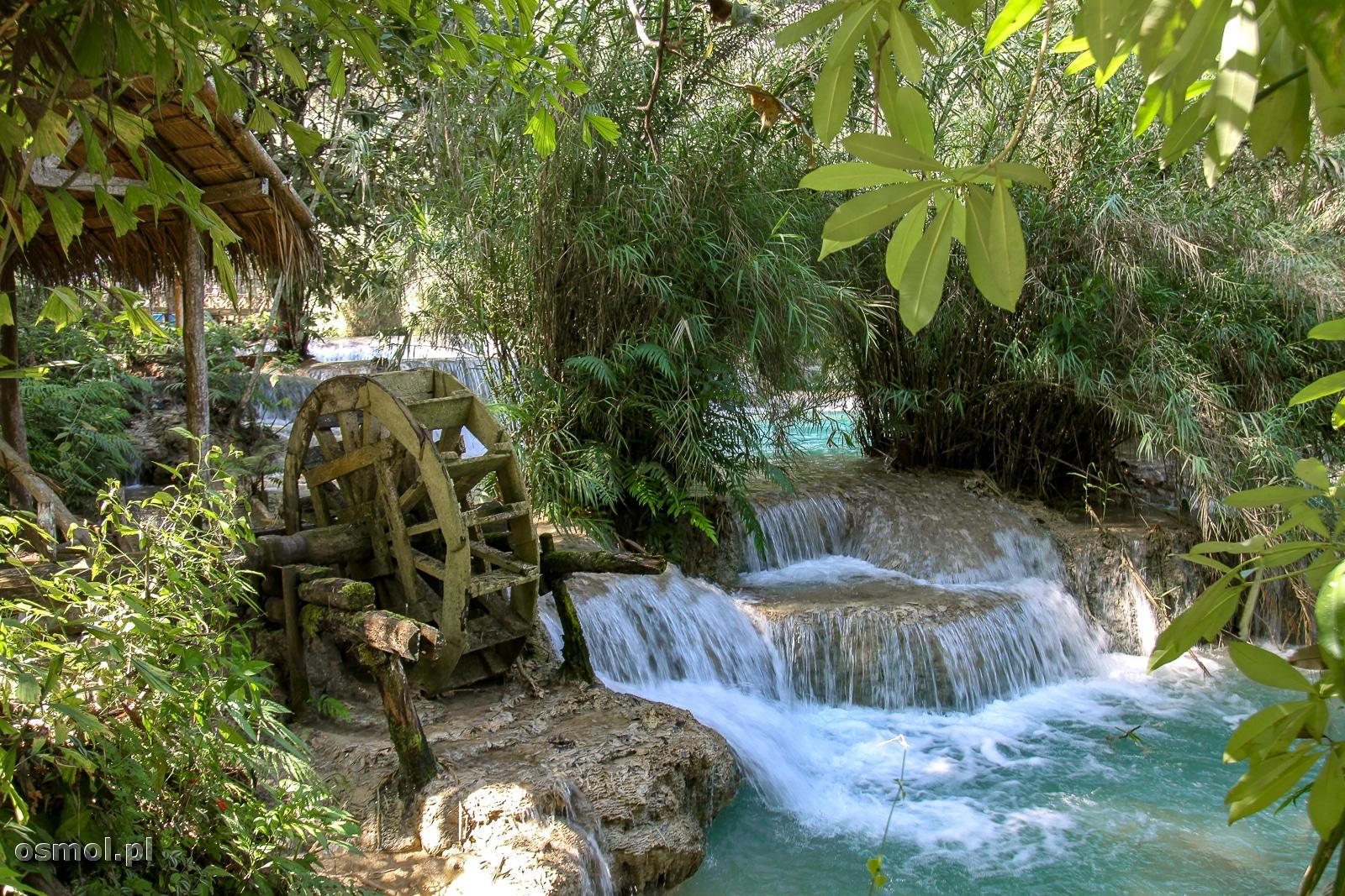 Koło wodne przy wodospadzie Kuang Si