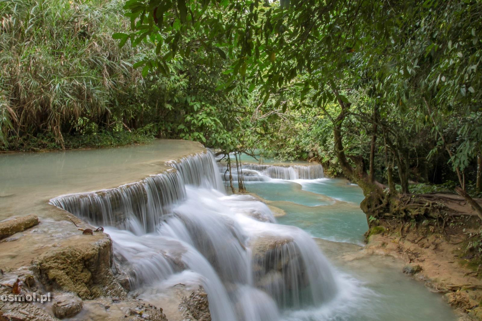 Kaskady wodospadu Kuang Si