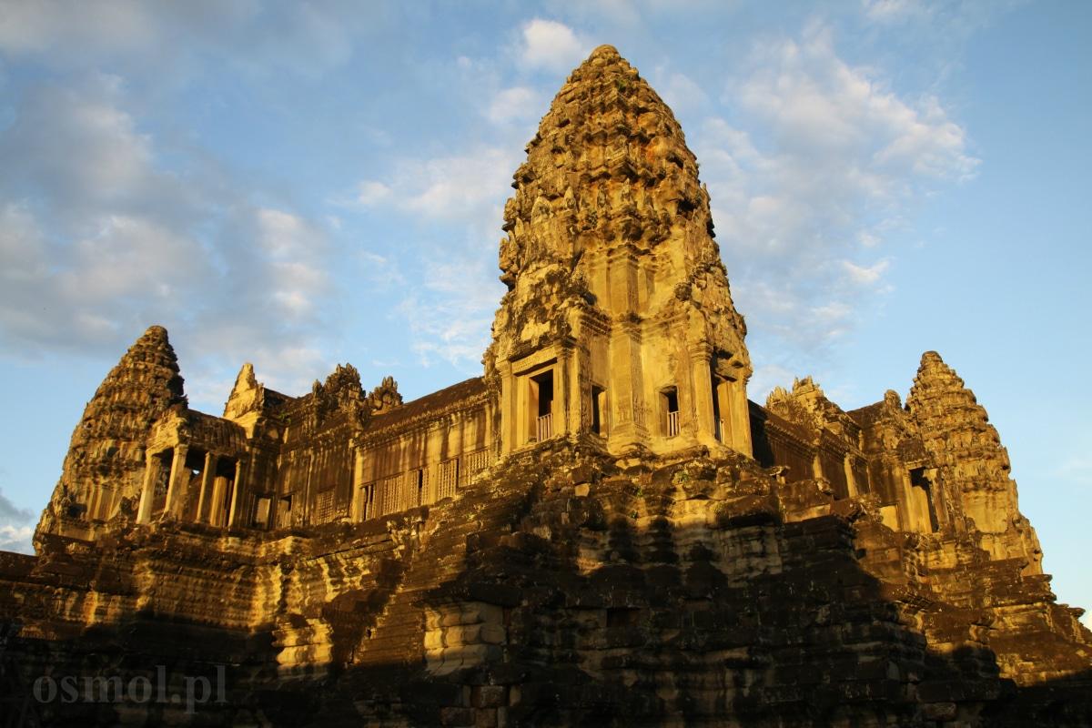 Najwyższa wieża w Angkor Wat - symbolizuje górę Meru