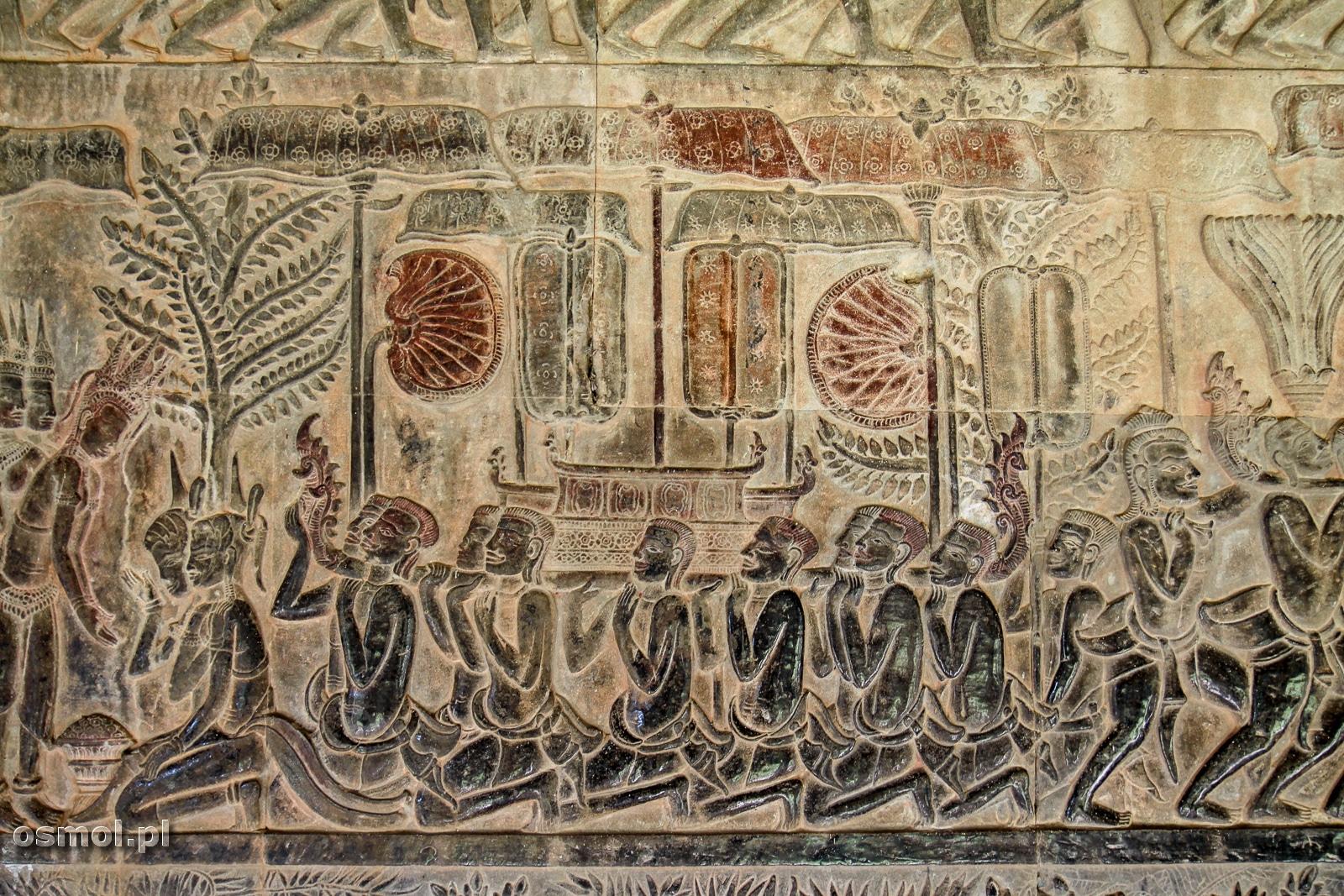 Kawałek z kilkusetmetrowej płaskorzeźby okalającej całą świątynię Angkor Wat.