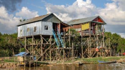 Pływająca wioska Kampong Phluk w Kambodży