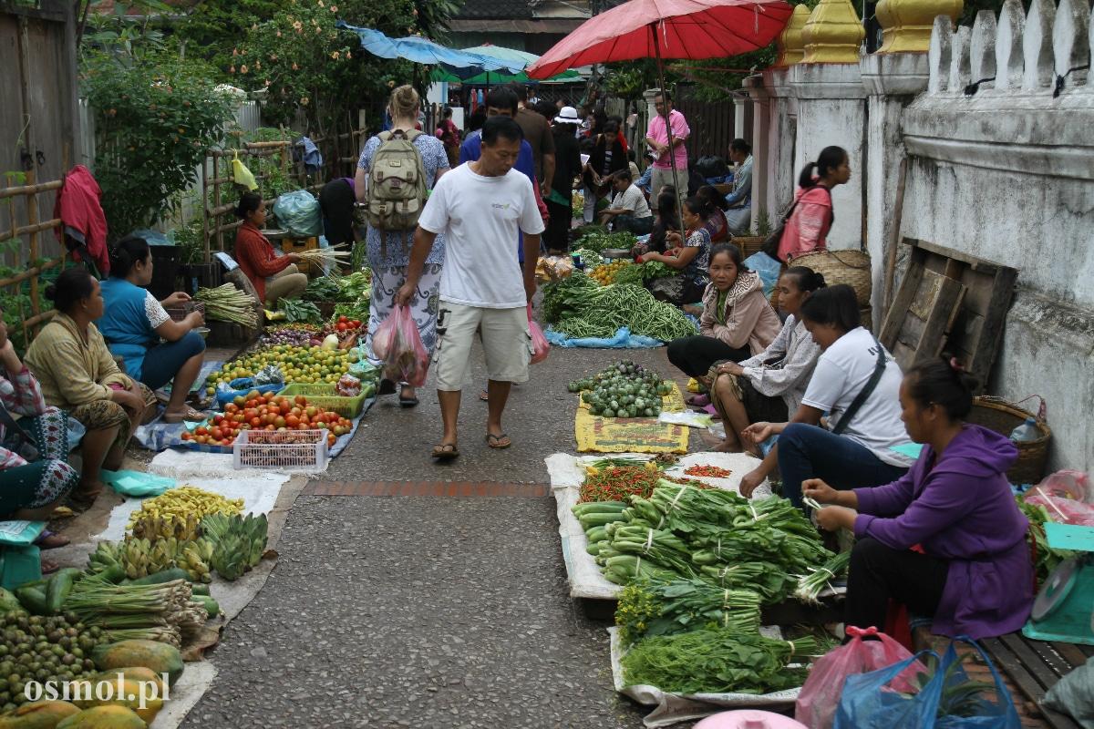 Poranny targ w Luang Prabang - Laos