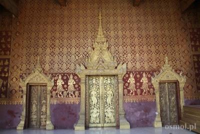 Drzwi do swiatyni w Luang Prabang
