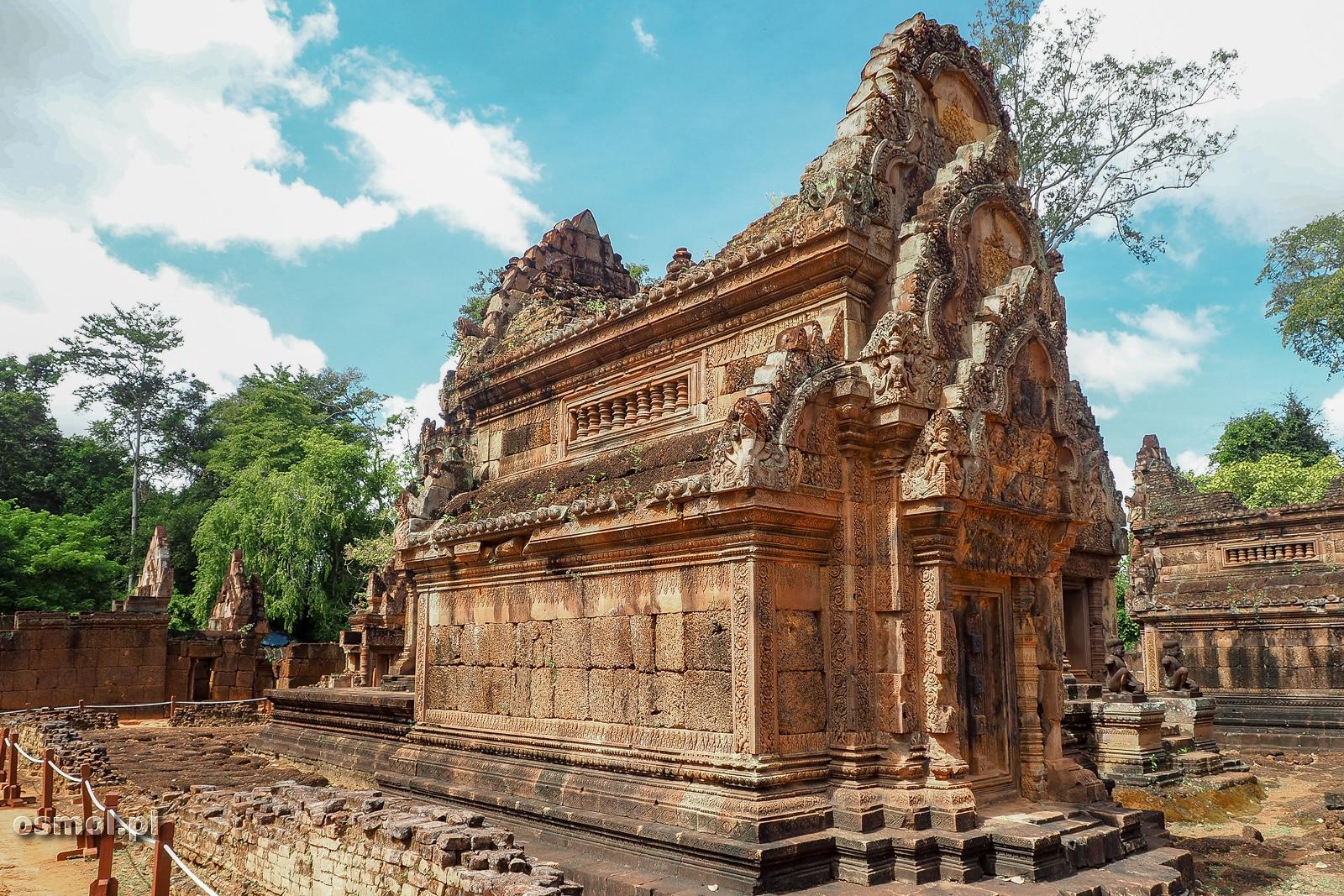 Jeden z budynków w kompleksie Banteay Srei