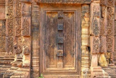 Sztuczne drzwi w Banteay Srei