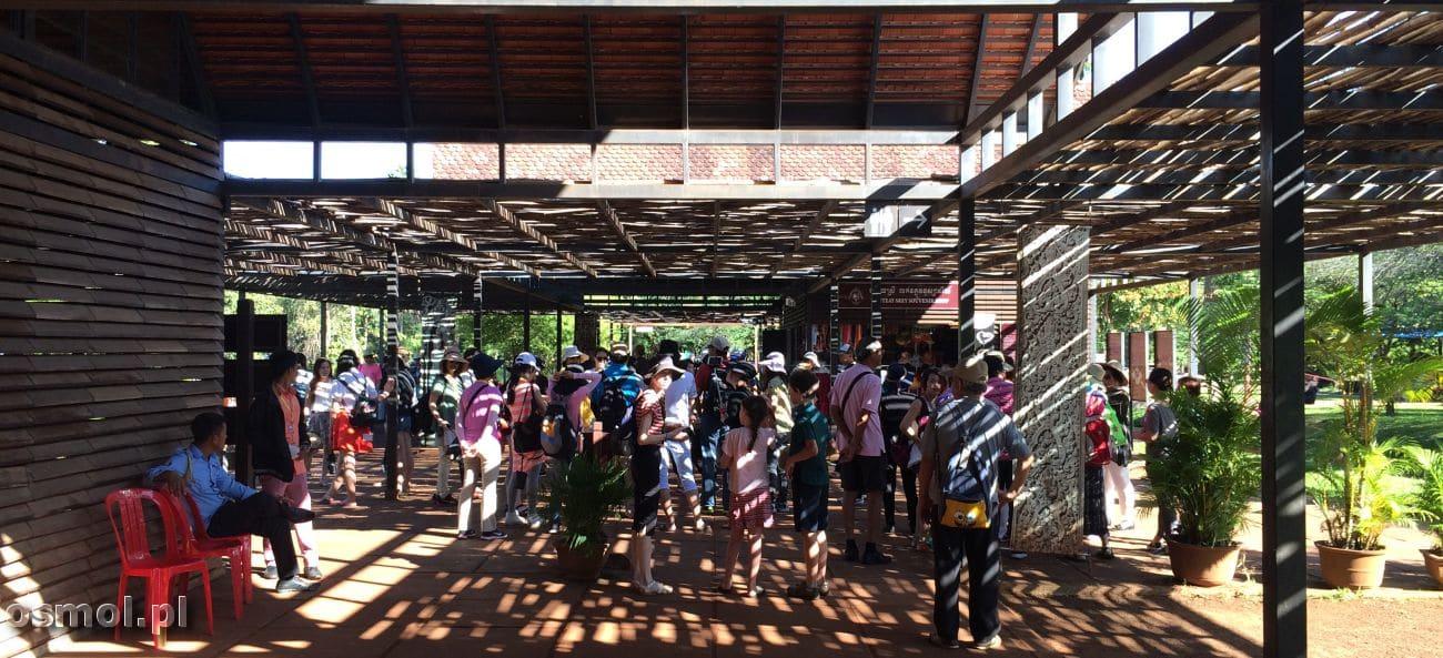 Turyści w Angkorze